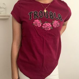 "Magenta short sleeved ""Trouble"" graphic tee"